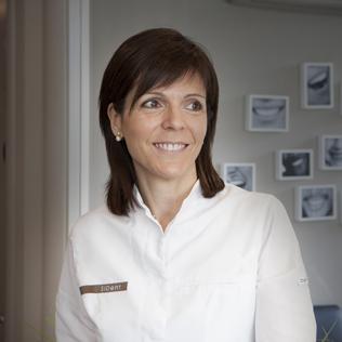 Dra. Núria Garròs. Col. 3039